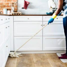 Groot onderhoud aan de houten vloer